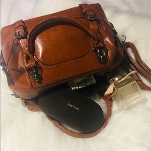 Ava Leather Crossbody Handbag